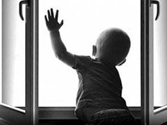 Участились случаи выпадения детей из окон