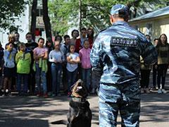 Показательные выступления сотрудников полиции в детском лагере «Союз»